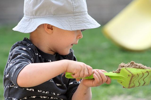 Zabawki dla Twojego dziecka w ogrodzie